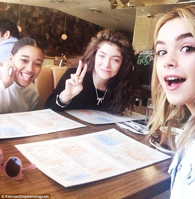 lorde at the 101 cafe